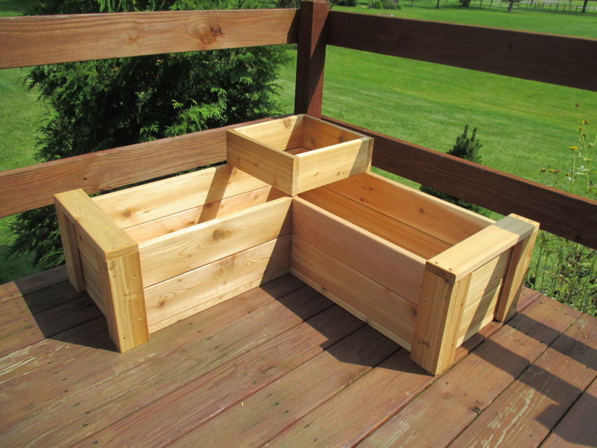 L Shaped Multi Level Patio Planter With Full Floor By
